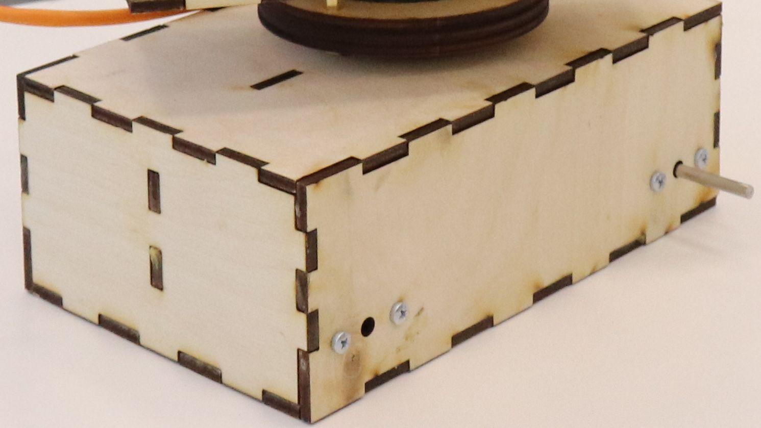Создание подвижной платформы с поворотным устройством и изготовление рельсов