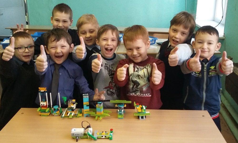 «Прочность и устойчивость конструкций». На занятии по робототехнике дети познакомились с таким явлением как землетрясение