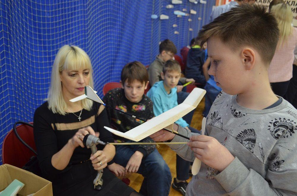 Магнитогорские авиамоделисты встретились на «лётном поле»