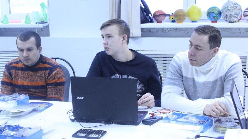 Программирование с нуля. В Челябинске прошел трёхдневный интенсив по Arduino