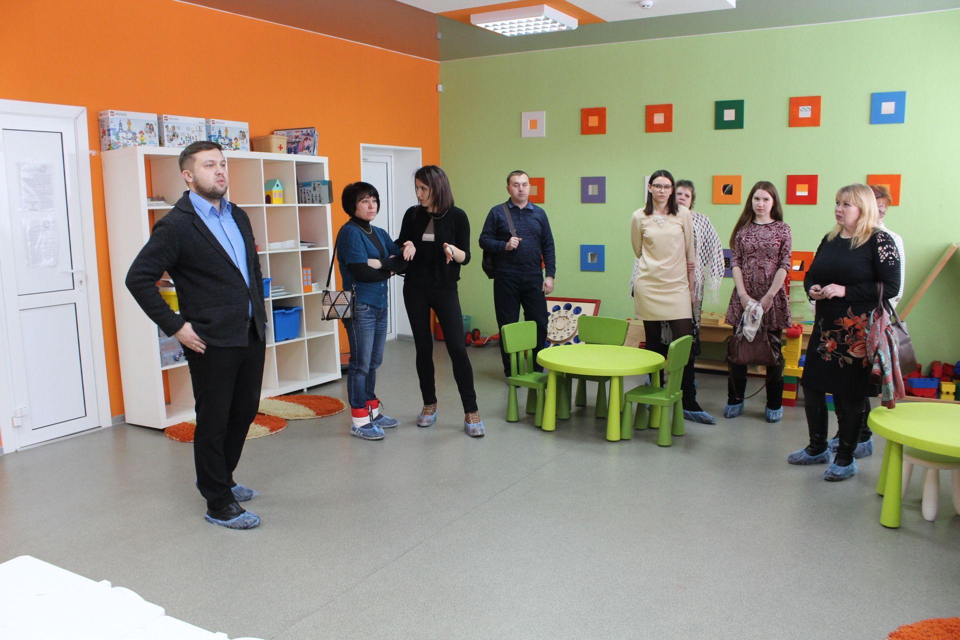 Возрождение технического творчества. Делегация из Копейска приехала в ДЮТТ за новыми знаниями