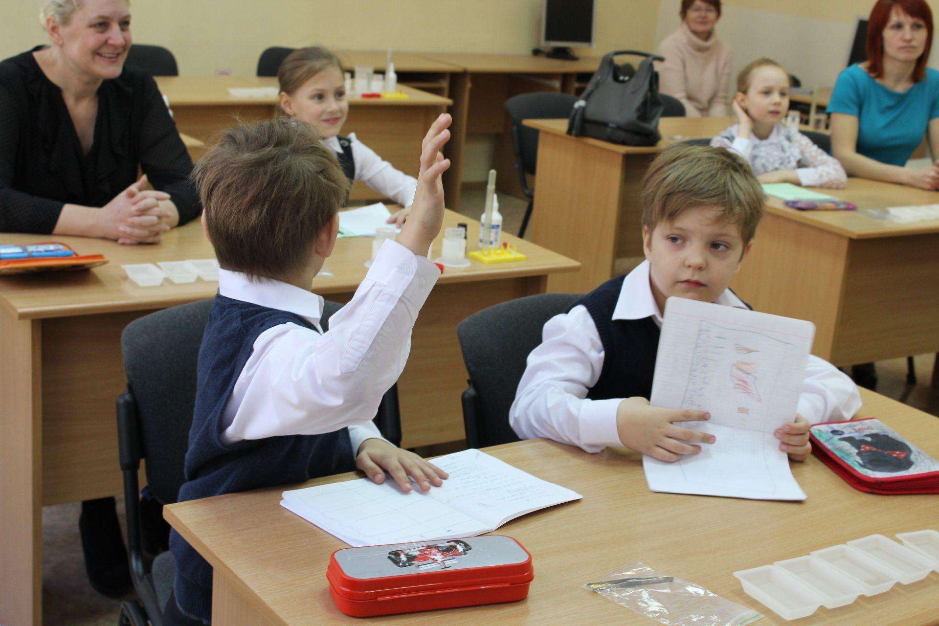 Нахимичили! Для родителей и детей прошёл открытый урок по «Занимательной науке»