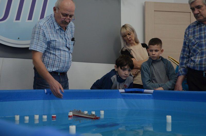 Горячая вода. В Магнитогорске состоялись соревнования судомоделистов