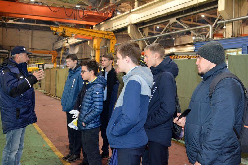 Челябинский завод будет курировать школьный проект