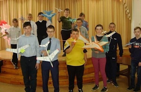 В Караталах прошли первые авиамодельные соревнования