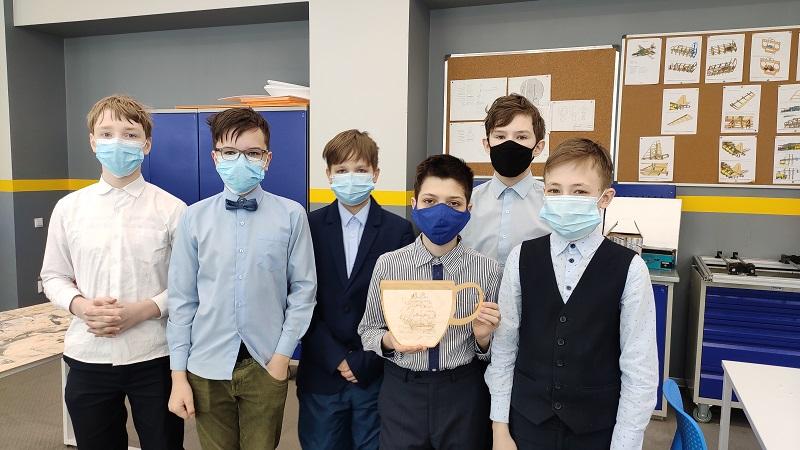 Первые выпускники «техноуроков»: фотоотчет!